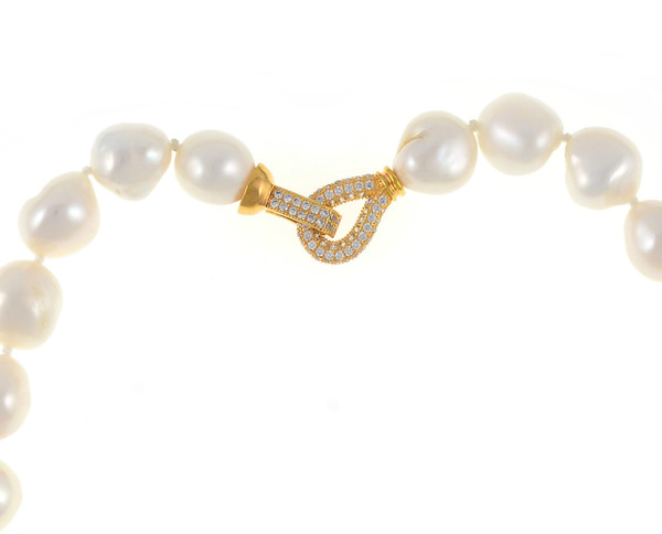 """Odette Anthology* - Pearl Necklace zoom of gold-tone CZ clasp, Odette Gold-tone: Single strand white potato pearls 13-14mm, 7cm CZ gold-tone swan pendant with biawa 18-19mm, CZ covered gold-tone mixed metal locking circle clasp, 18"""" in length, princess length"""