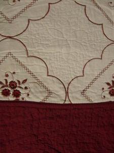 3Pc 100% Cotton Queen QUILT /BEDSPREAD Beige & Burgundy