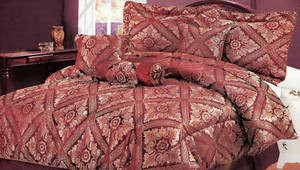 NEW - KING size Bed in a Bag 7pc. Comforter Bedding Set - Burgundy & Gold colors