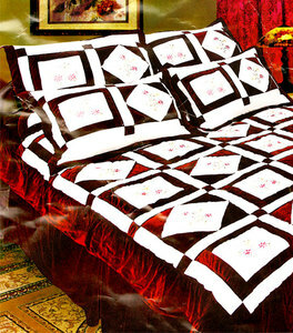 QUEEN 4pc Embroidered QUILT Bedspread Bed in a Bag
