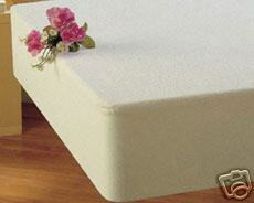 NEW - Mattress Protector made of Terry Toweling and Vinyl - FULL Size