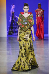 Naeem Khan Fall / Winter 2018 Ready To Wear Look 19