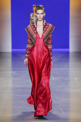 Naeem Khan Fall / Winter 2018 Ready To Wear Look 17
