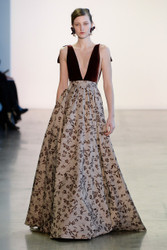 Badgley Mischka Fall / Winter 2018 Ready To Wear Look 7