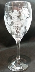 Grapevine Engraved Wine Glass