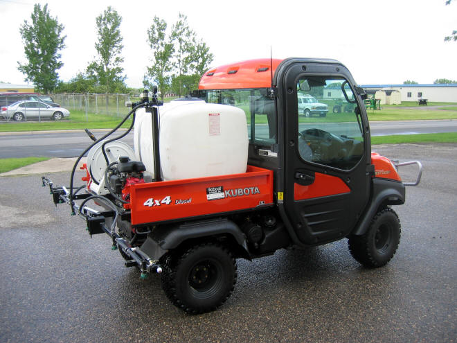 sprayer-kubota.jpg