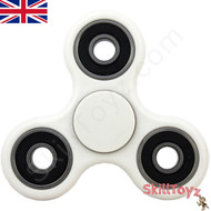 Shown with the supplied white finger pads fitted over the centre bearing of the spinner. Ready to play!