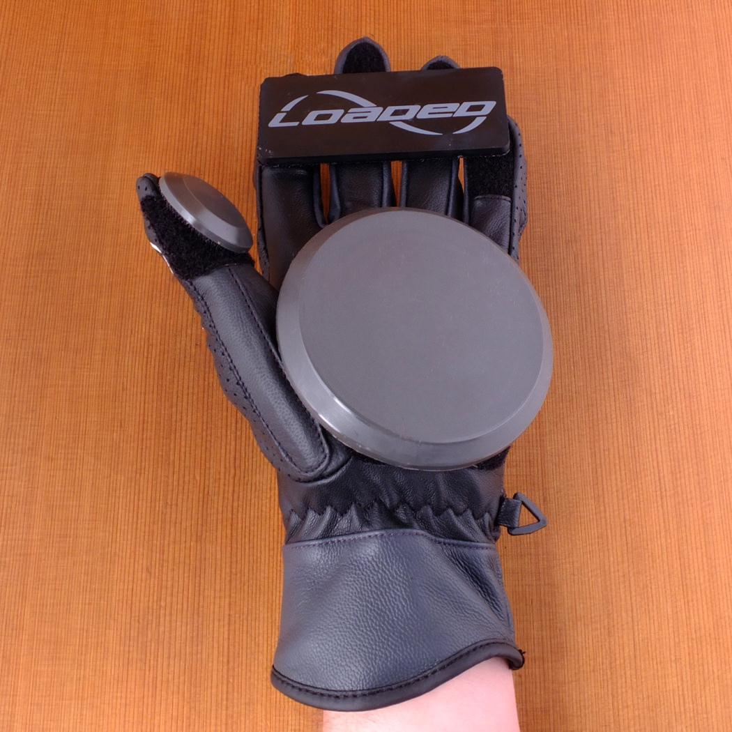Black gloves races - Loaded Leather Black Races Slide Gloves Front