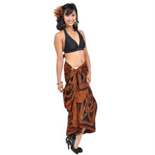 "Celtic Circles High-End Pertama Sarong, ""Brown"""