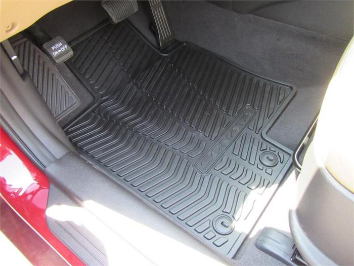 Hyundai Sonata Rubber Floor Mats (J056)