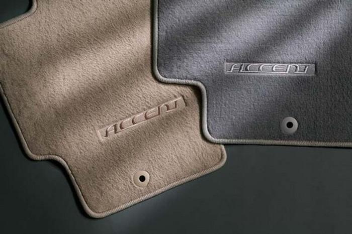 Hyundai Accent 4 Door Carpeted Floor Mats (B048)