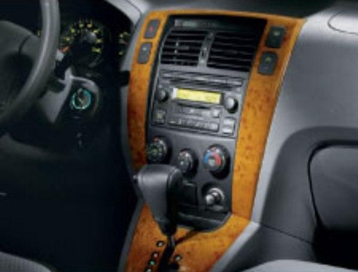 Hyundai Tucson Center Facia, Wood Grain - Manual Transmission HVAC (L015)