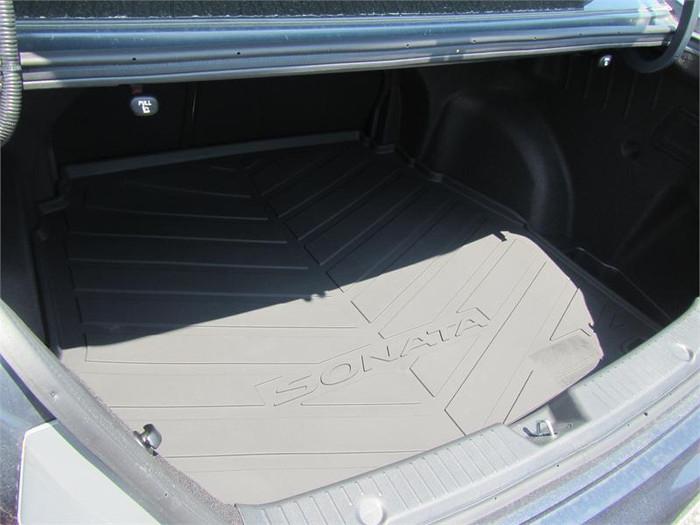Hyundai Sonata Rubber Cargo Tray (J070)