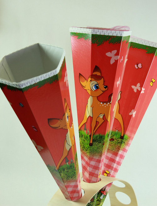 Every Child will love that little deer in a nice setup playing with butterflies. A red coloring makes it a go for Boys and Girls