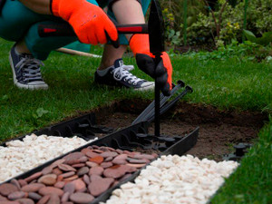 Easy to install plastic edging
