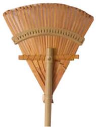 "10"" Bamboo Shrub Rake"