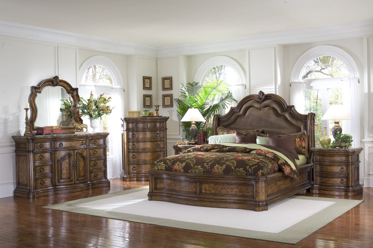 Pulaski San Mateo Sleigh Bedroom Set High Point Discount Furniture