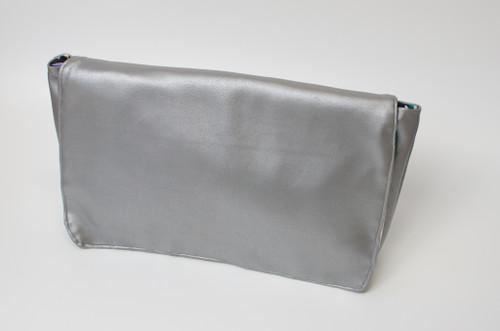 Classic Clutch {silver}