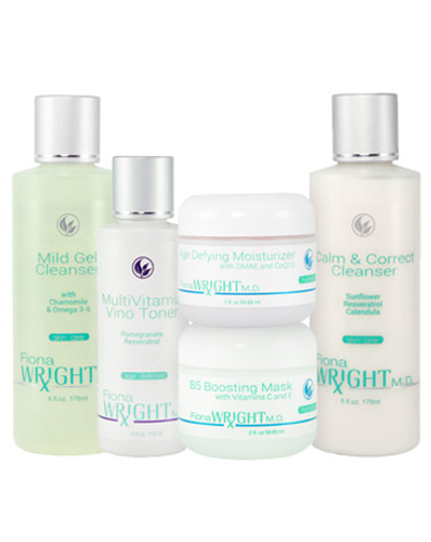 The hydrating benefits of this system will draw moisture into your skin, leaving it feeling refreshed and comfortable – never tight or dry. Ideal for sensitive skin.