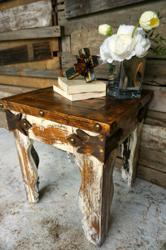 Gancho Side Table shown in White