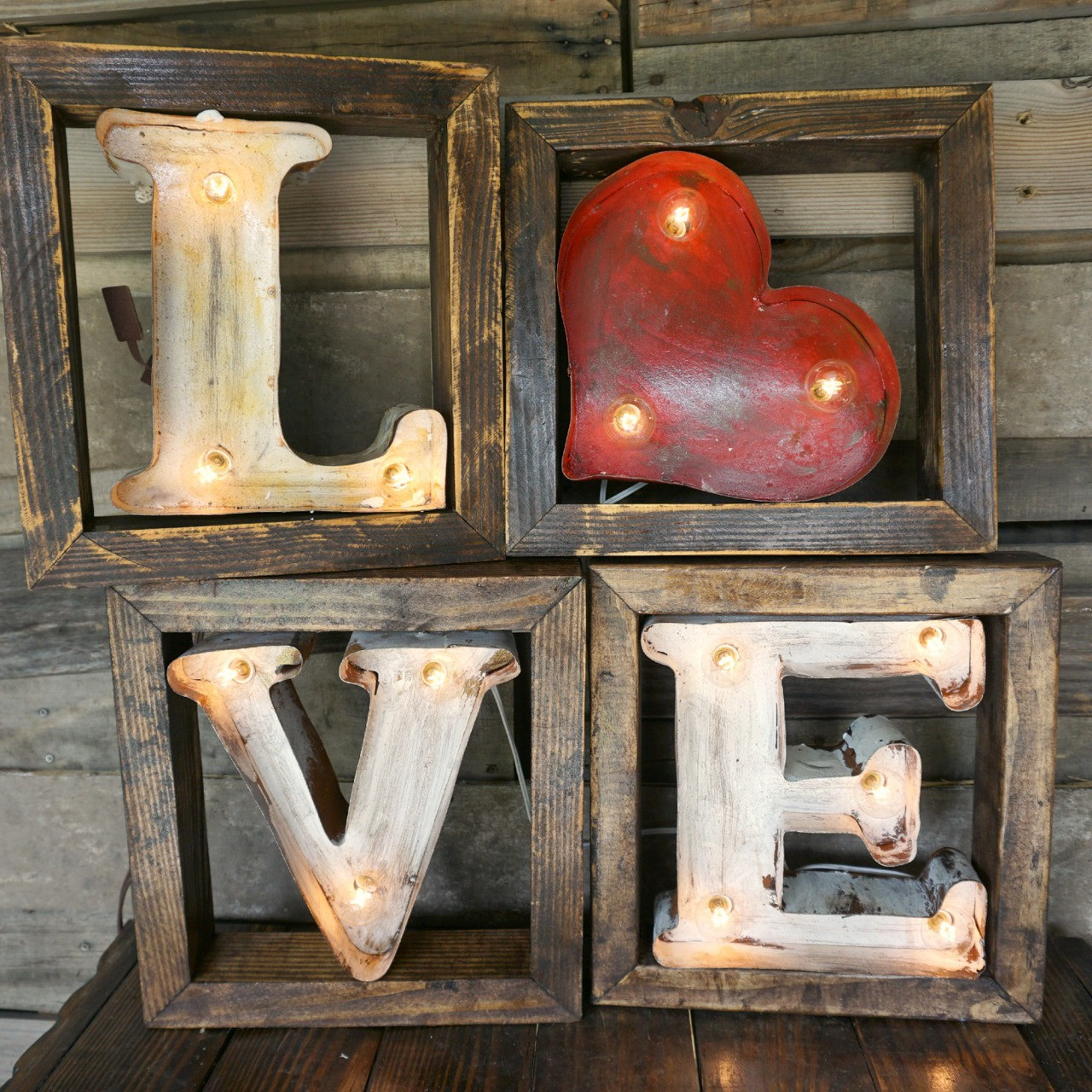 Lighted metal marquee Love in Wood Frame
