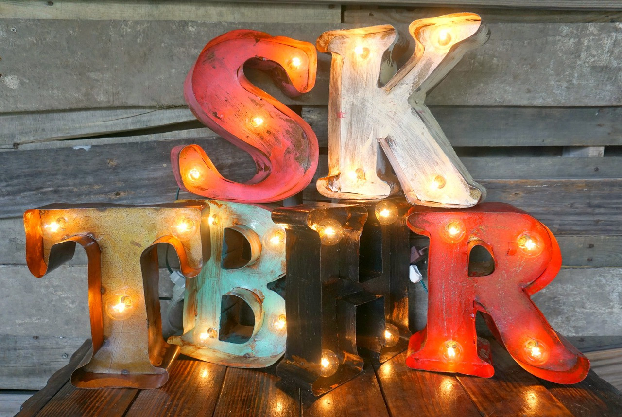 "10"" Letter Metal Marquees"