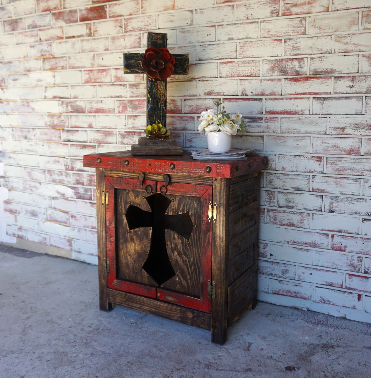 Cristiano Cross Side Table in White