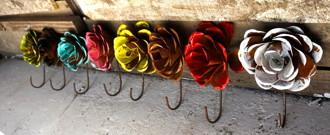 Grande Rose Hooks (Side View)