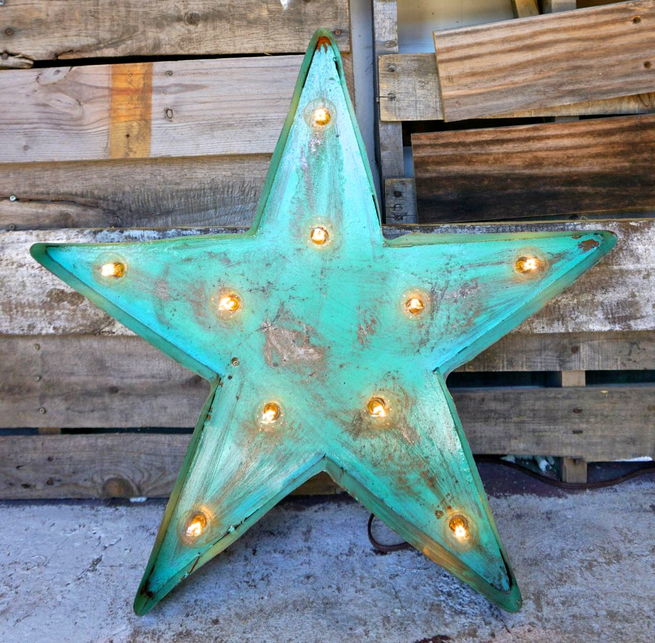 Star Metal Marquee in Turquoise