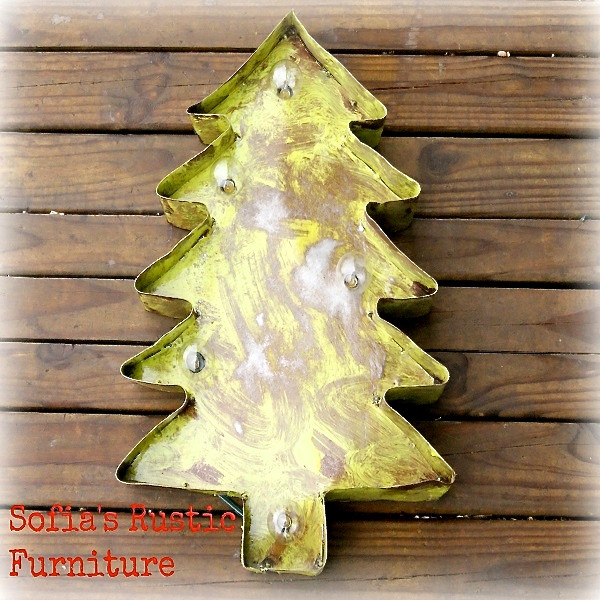 Christmas Tree Metal Marquee in Lime