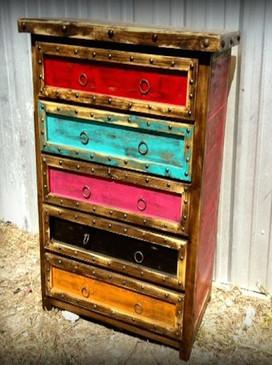 Colorido Rustic Dresser