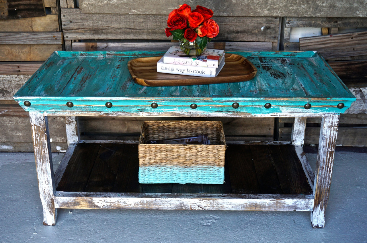 Bandeja Coffee Table in Shabby (Mint & White)