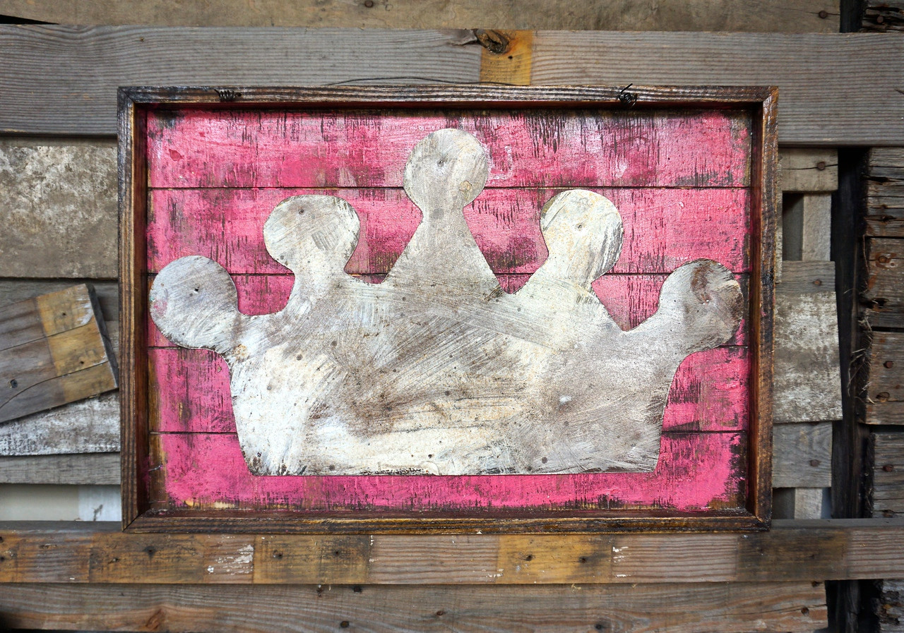 Crown Magnet Board in Pink