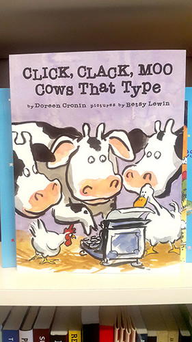Clack Clack Moo - Cows That Type