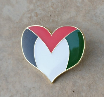 Palestinian heart shaped enamel badge