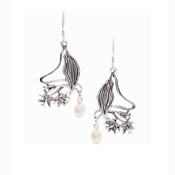 Hawaiian Hibiscus Earrings with Pearls