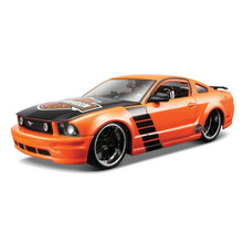 2006 Ford Mustang GT Maisto HARLEY DAVIDSON Series Diecast 1:24 Scale