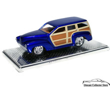 1940 Ford Woody Beach Reach Thom Taylor Extreme Customs w/showcase Diecast 1:24 Scale