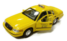 1999 Ford Crown Victoria NCY TAXI Cab WELLY Diecast 1:38 Scale
