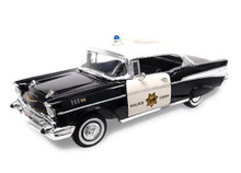1957 Chevrolet Bel Air Hdtp ROAD SIGNATURE Diecast 1:18 Scale POLICE CHIEF