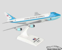 Air Force One Boeing VC25/747-200 Sky Marks 1:250 Scale Model Kit