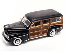 1948 Ford Woody Wagon Lucky Diecast Signature Series Diecast 1:18 Scale Black