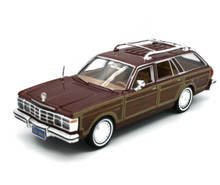 1979 Chrysler LeBaron Woody Wagon MOTORMAX Diecast 1:24 Scale Brown
