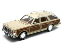 1979 Chrysler LeBaron Woody Wagon MOTORMAX Diecast 1:24 Scale Cream