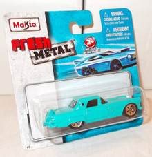 Maisto Fresh Metal Die-Cast Vehicles ~ 1956 Ford Thunderbird (Powder Blue)