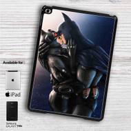"Batman and Catwoman Kiss iPad 2 3 4 iPad Mini 1 2 3 4 iPad Air 1 2 | Samsung Galaxy Tab 10.1"" Tab 2 7"" Tab 3 7"" Tab 3 8"" Tab 4 7"" Case"