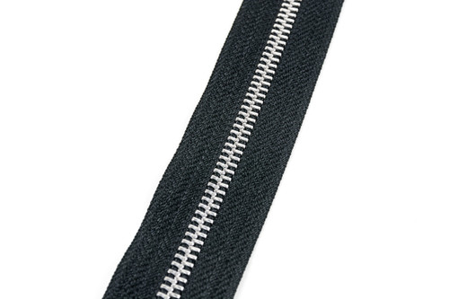 #5M YKK® Aluminum Tooth Zipper Chain, Black (91050ABK)