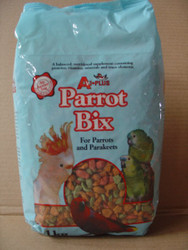 Extruded pellets in a variety of colors and shapes, these pellets provide well balanced nutrition that will add the vitamins, minerals and amino acids that are absent in a pure seed diet. Easy to feed, they mix well with greens, fruit and seed mixes to provide a fun filled varied diet for your birds.