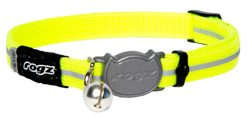 Rogz Catz Alley Cat Small 11mm Reflective Cat Collars are fully adjustable for a neck size from 20-31cm and are fitted with the new Safeloc Breakaway Clip, which allows you to easily adjust the break-away load of the buckle for cats of +6.6lbs, +8.8lbs and +11lbs. Safety is still the priority so the buckle will still break free if placed under too much strain. Back to the basics, Alley Cat collars are made from snag-proof webbing with a specially developed weave to prevent running and an upgraded, screenprinted reflective nylon.  There are no open ends or sharp edges and the color-coded bell can be removed if you and kitty would prefer a little peace and quiet. Suitable for most cat breeds and sizes and matching harness and lead are also available.