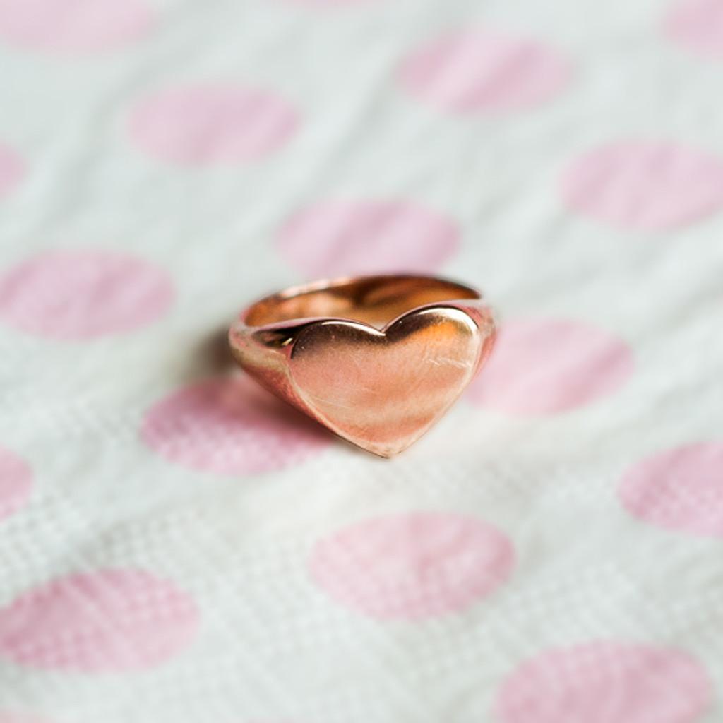 stylerocks-rose-gold-heart-signet-ring